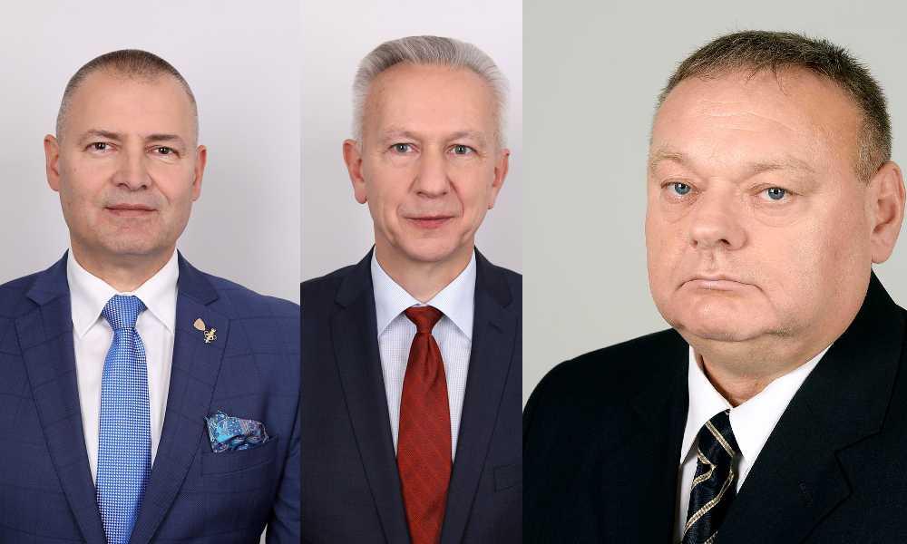 Senatorowie (od lewej): Robert Dowhan (PO), Stanisław Gogacz (PiS) i Jerzy Czerwiński (PiS) Źródło: Kancelaria Senatu