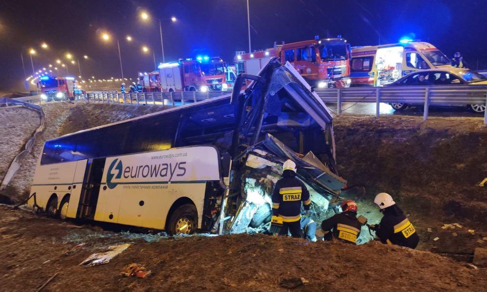 Kolejny wypadek autokaru na autostradzie A4 Źródło: Wojewódzka Stacja Pogotowia Ratunkowego w Przemyślu/Facebook