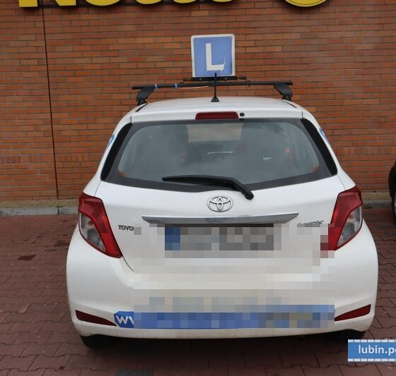 Kobieta nie zdała na prawo jazdy kategorii B w WORD Lublin. Wsiadła więc do własnego samochodu i pojechała do domu Fot. Policja