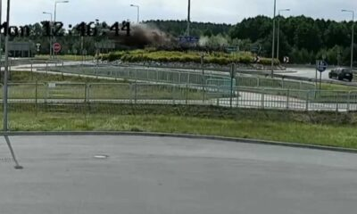 Kierowca wyleciał w powietrze na rondzie w Nowej Soli Źródło: YouTube