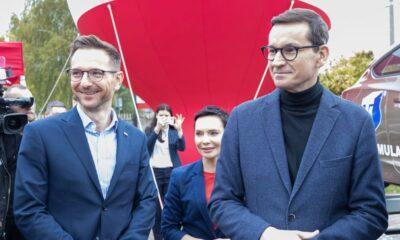 Premier Mateusz Morawiecki i wiceminister funduszy i polityki regionalnej Waldemar Buda Fot. MFiPR