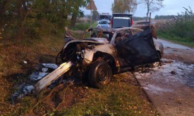W wypadku w Romanowie zginęły cztery osoby w wieku od 15 do 18 lat. Fot. PSP Maków Mazowiecki